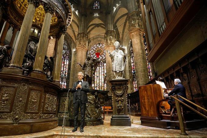 video-andrea-bocelli-llena-la-desierta-catedral-de-milan-de-musica-para-la-esperanza